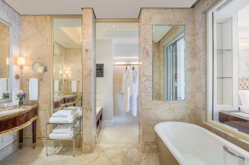 The St. Regis Singapore Luxury Hotel - Singapore - Caroline Astor Suite Bathroom