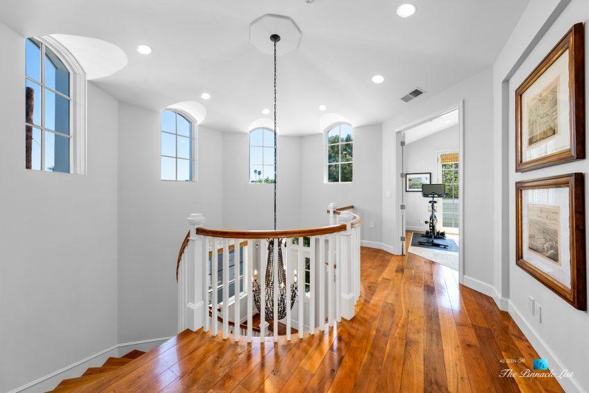 877 8th Street, Manhattan Beach, CA, USA - Upstairs Staircase Railing