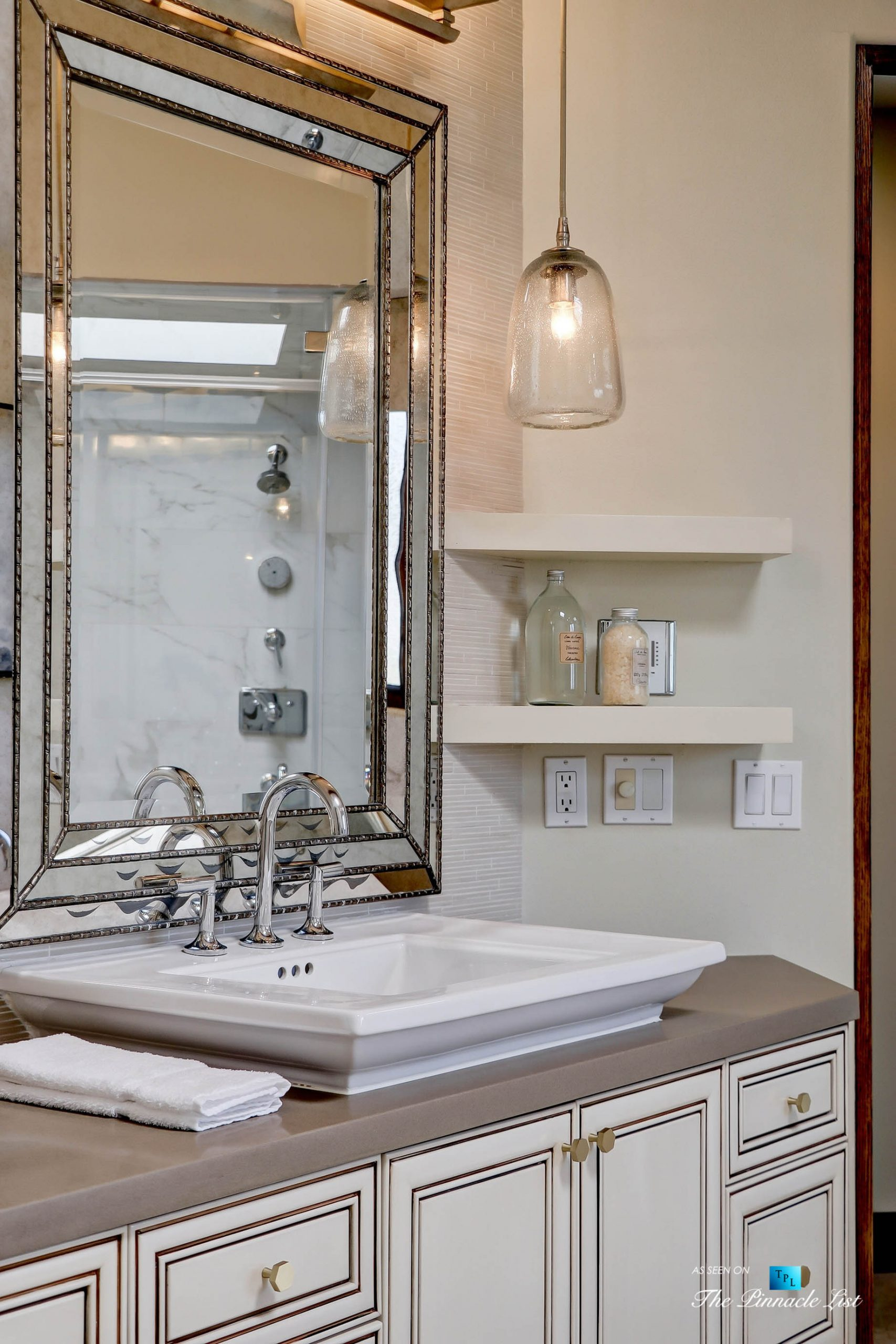 853 10th Street, Manhattan Beach, CA, USA – Master Bathroom Sink