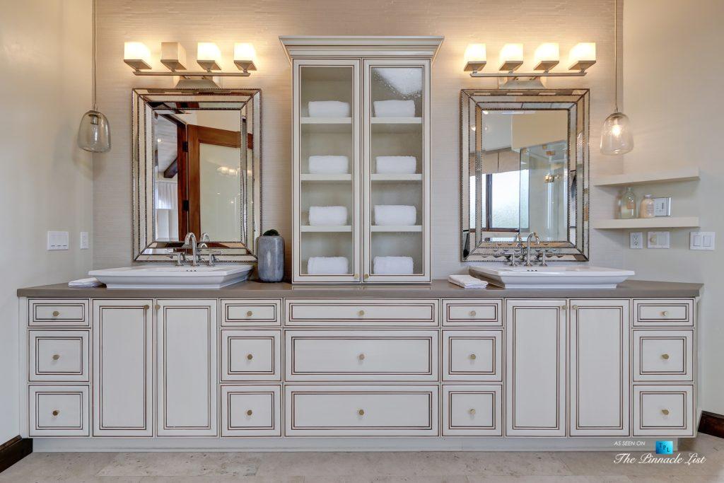 853 10th Street, Manhattan Beach, CA, USA - Master Bathroom Double Sinks