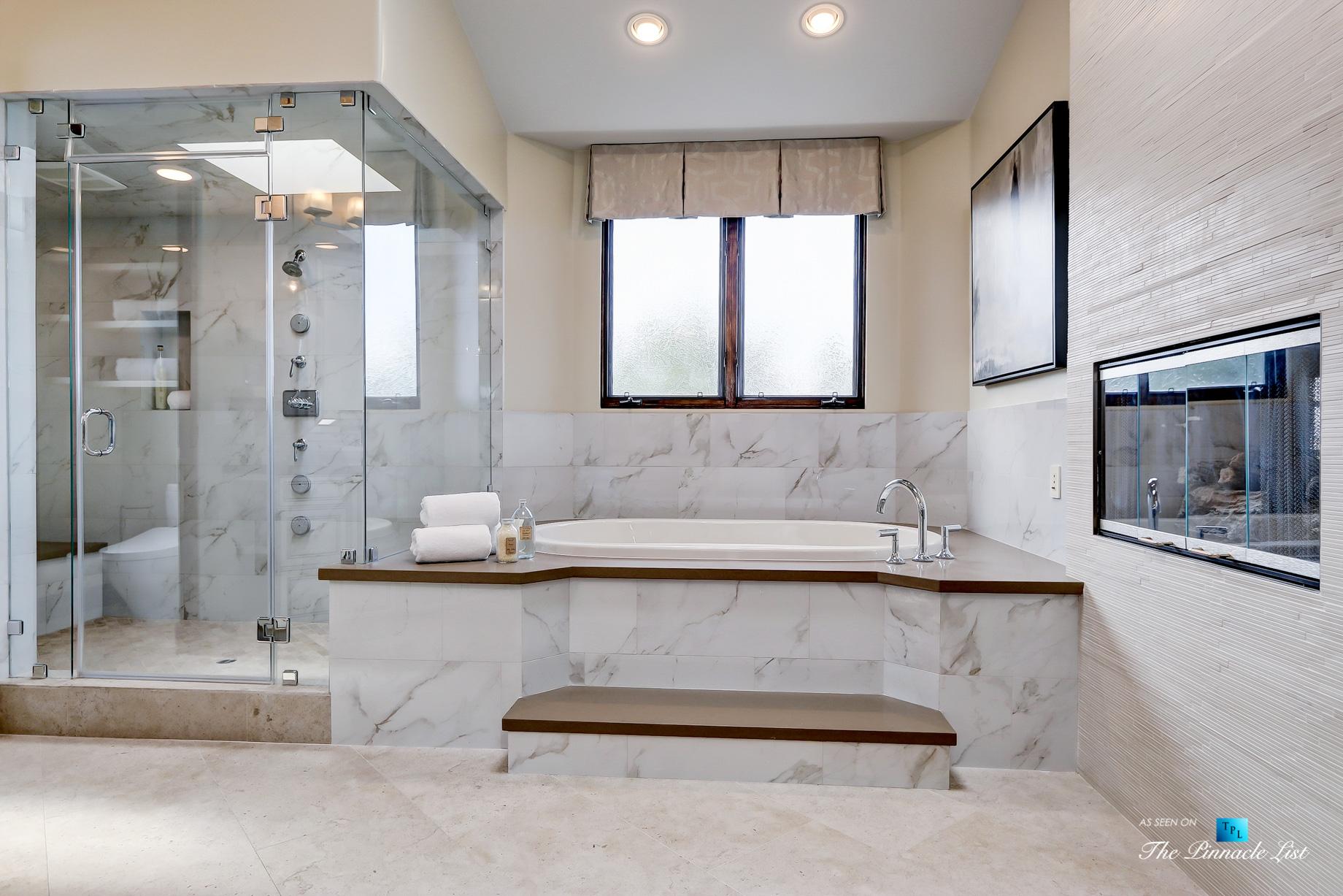 853 10th Street, Manhattan Beach, CA, USA – Master Bathroom Tub