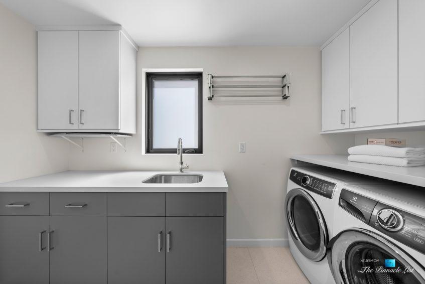 246 30th Street, Hermosa Beach, CA, USA - Laundry