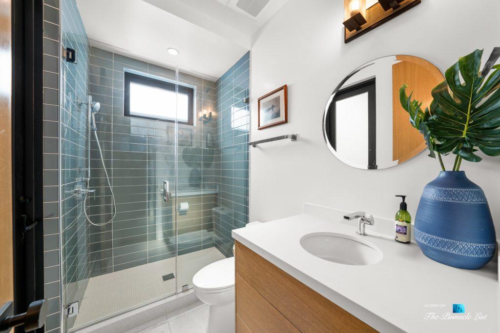 246 30th Street, Hermosa Beach, CA, USA - Lower Level Full Bath