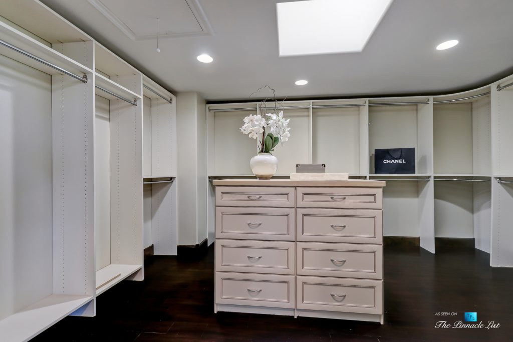 853 10th Street, Manhattan Beach, CA, USA - Master Bedroom Closet