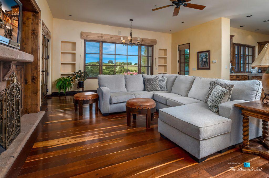 Spectacular 251 Acre Twin Oak Ranch - 2667 Via De Los Ranchos, Los Olivos, CA, USA - Italian Villa Residence Living Room