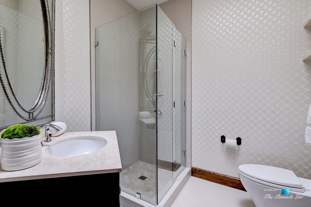 853 10th Street, Manhattan Beach, CA, USA - Bathroom