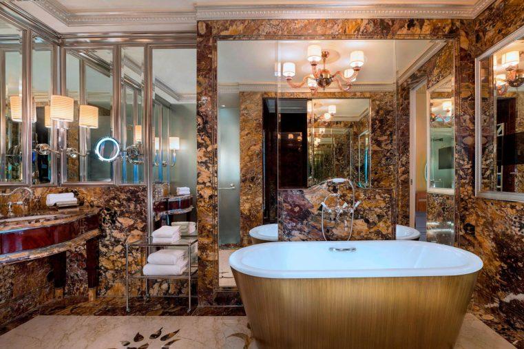 The St. Regis Singapore Luxury Hotel - Singapore - Specialty Suite Bathroom