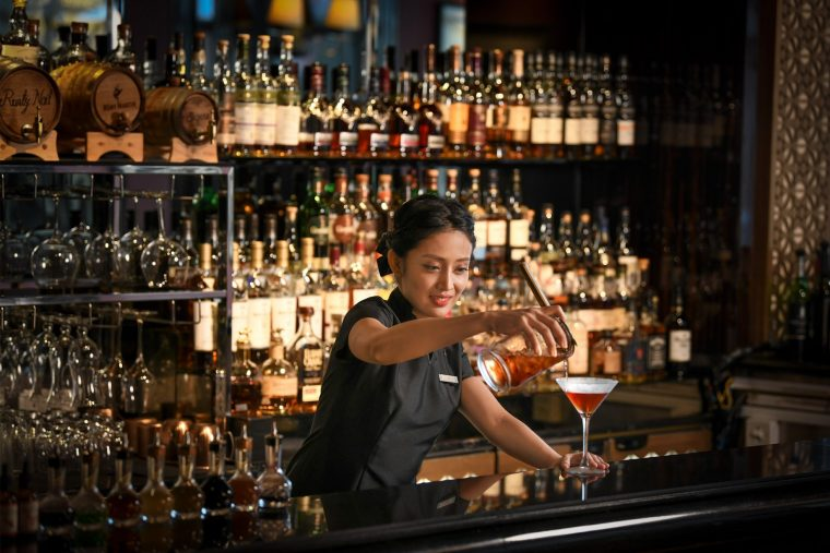 The St. Regis Singapore Luxury Hotel - Singapore - Astor Bar Service