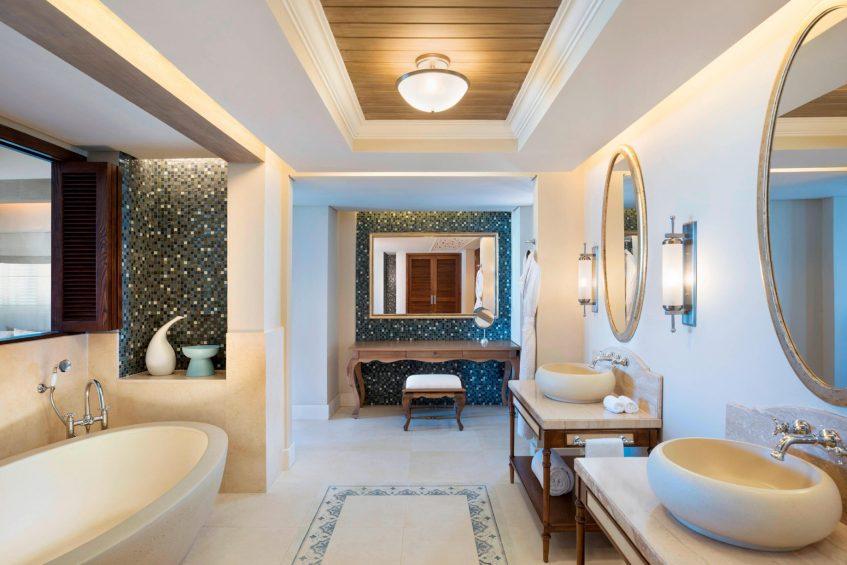 The St. Regis Mauritius Luxury Resort - Mauritius - Beachfront Access St. Regis Suite Bathroom
