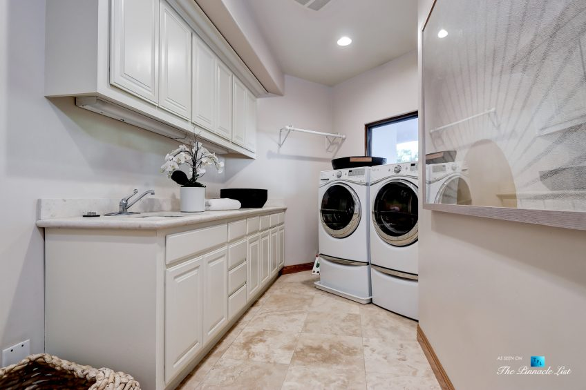 853 10th Street, Manhattan Beach, CA, USA - Laundry Room