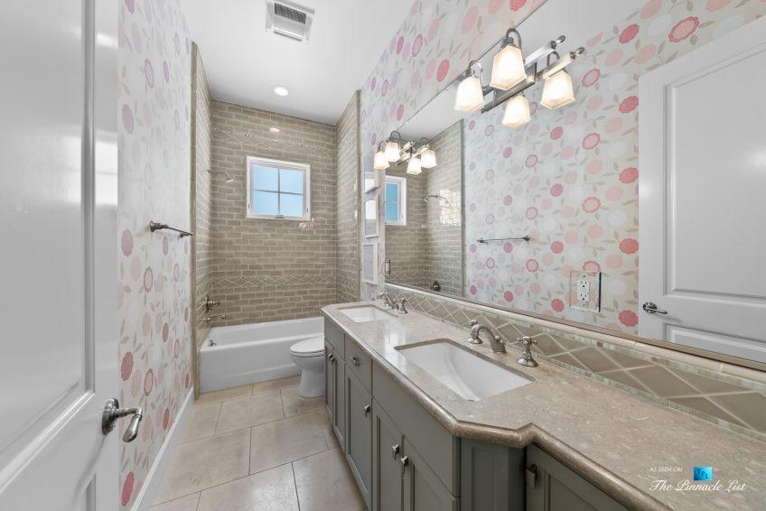 877 8th Street, Manhattan Beach, CA, USA - Bathroom