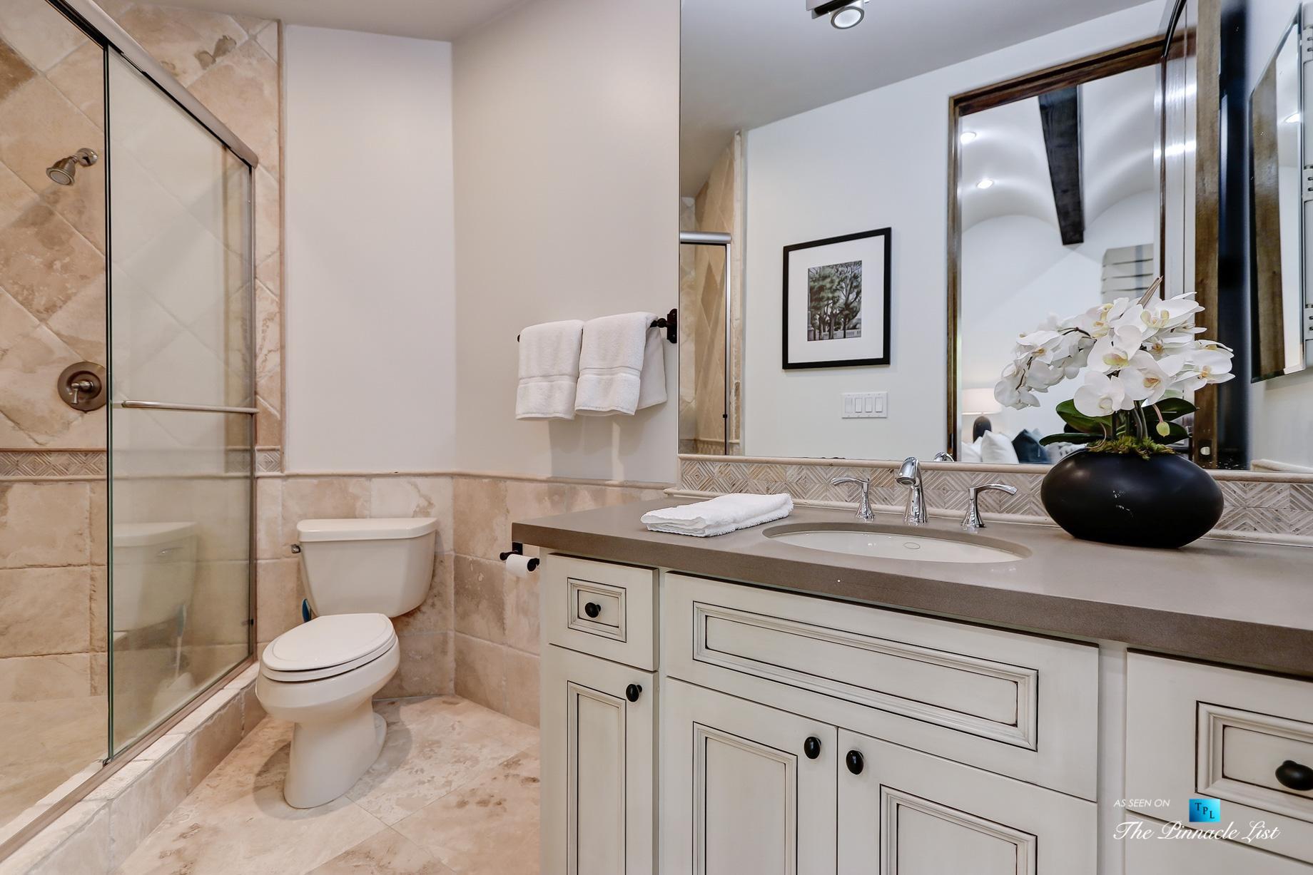 853 10th Street, Manhattan Beach, CA, USA – Bathroom