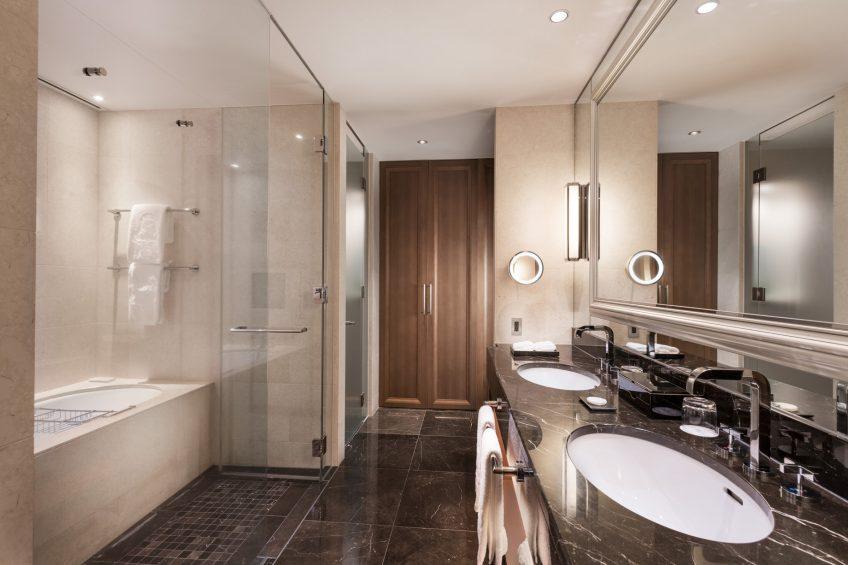 The St. Regis Osaka Luxury Hotel - Osaka, Japan - Grand Deluxe Guest Bathroom