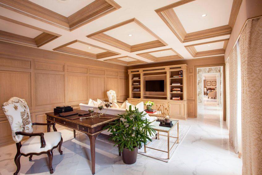 The St. Regis Washington D.C. Luxury Hotel - Washington, DC, USA - Presidential Suite Library