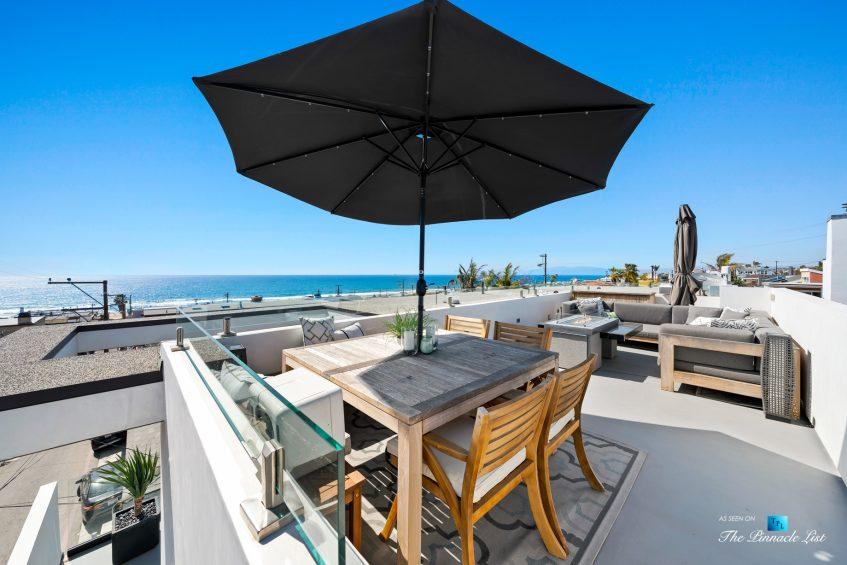 246 30th Street, Hermosa Beach, CA, USA - Rooftop Ocean View Deck Umbrella