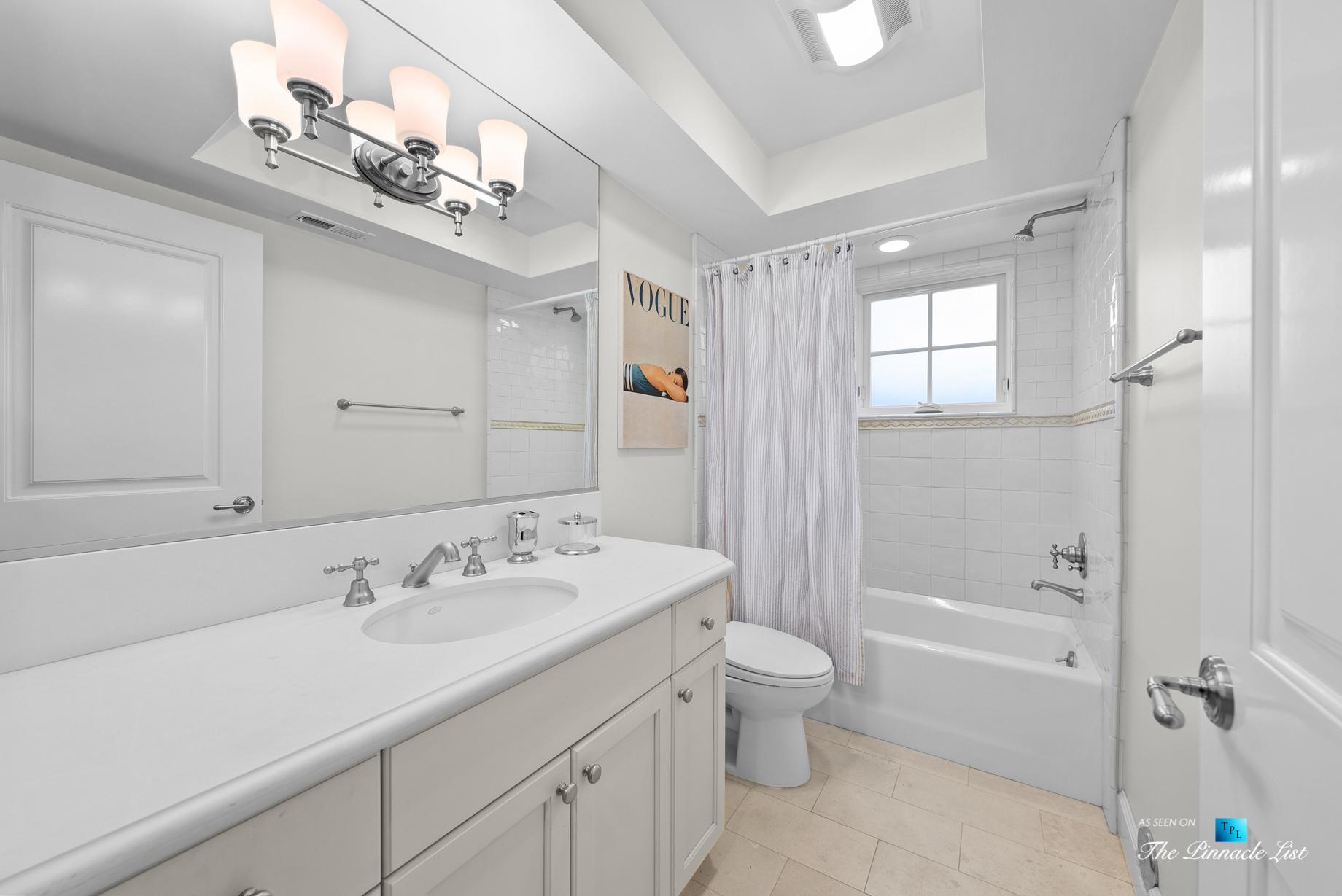 877 8th Street, Manhattan Beach, CA, USA – Bathroom