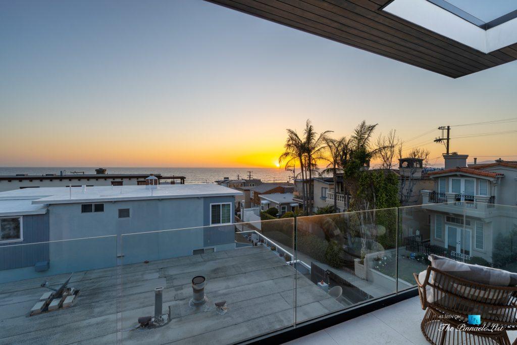 246 30th Street, Hermosa Beach, CA, USA - Living Room Patio Sunset