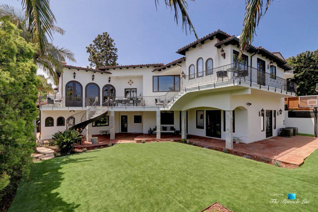 853 10th Street, Manhattan Beach, CA, USA - Exterior Rear Yard House View