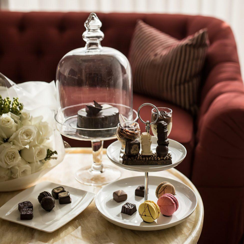 The St. Regis Singapore Luxury Hotel - Singapore - Dessert Service