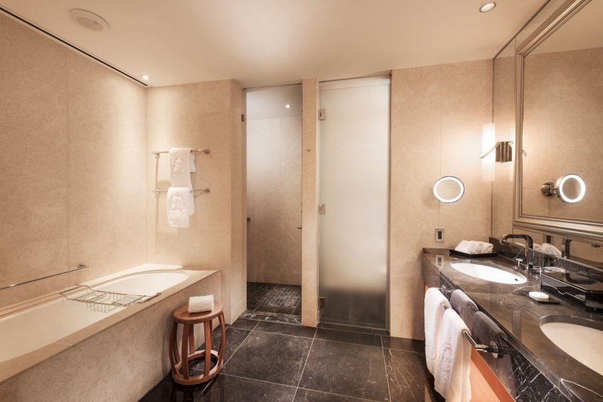 The St. Regis Osaka Luxury Hotel - Osaka, Japan - Grand Deluxe Suite Bathroom