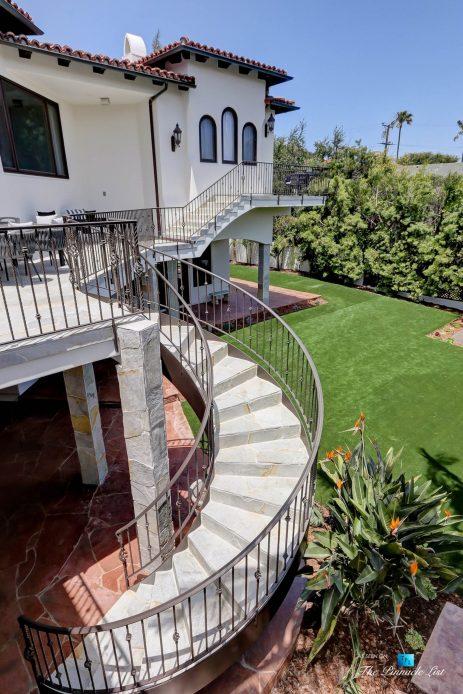 853 10th Street, Manhattan Beach, CA, USA - Rear Deck Backyard Stairs