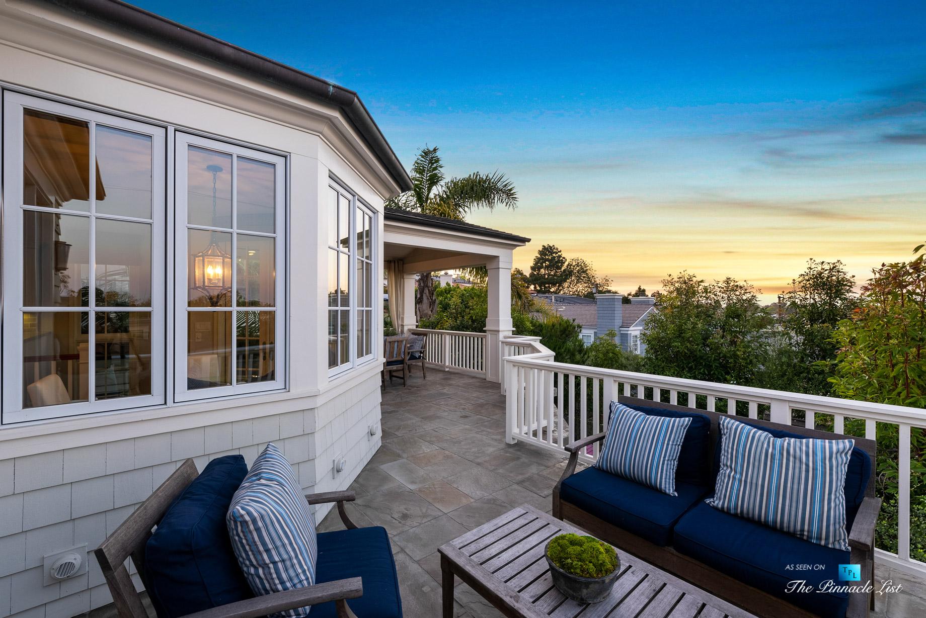 877 8th Street, Manhattan Beach, CA, USA – Top Level Patio Twilight Seating View