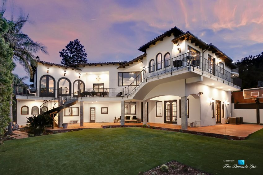 853 10th Street, Manhattan Beach, CA, USA - House Backyard Twilight