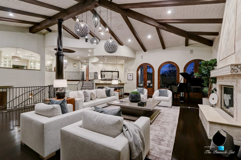 853 10th Street, Manhattan Beach, CA, USA - Night Living Room