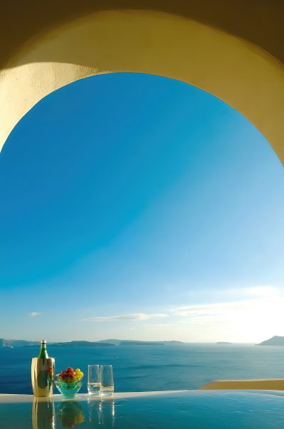 Mystique Luxury Hotel Santorini – Oia, Santorini Island, Greece - Ocean View Infinity Pool Beverages