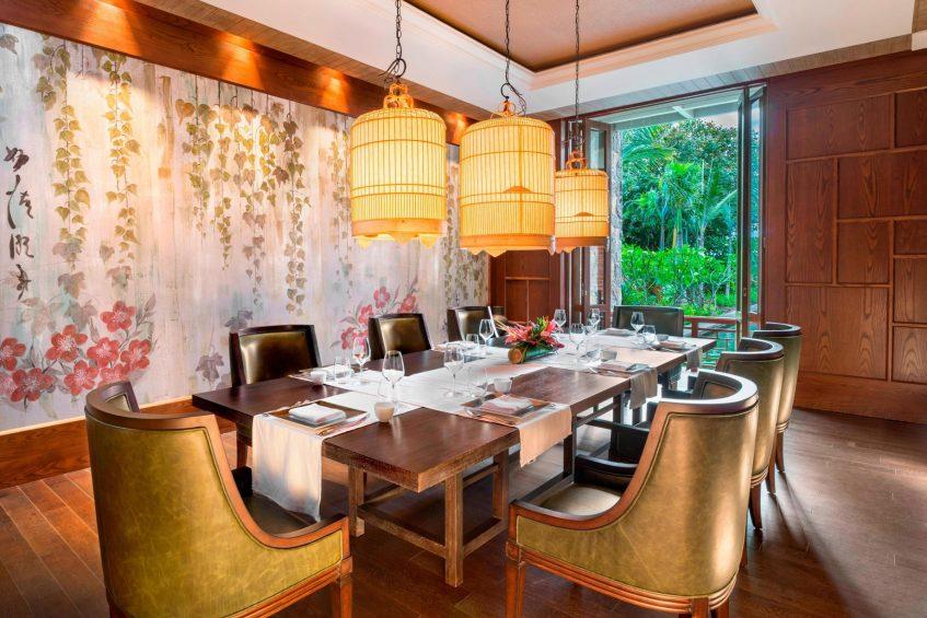 The St. Regis Mauritius Luxury Resort - Mauritius - Floating Market Dining Table