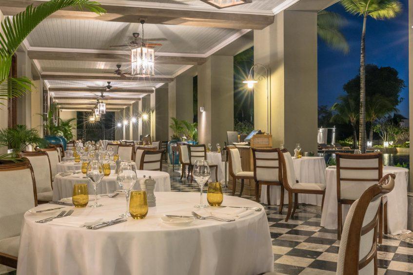 The St. Regis Mauritius Luxury Resort - Mauritius - Le Manoir Dining Room Terrace Dining Area