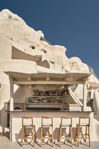 Mystique Luxury Hotel Santorini – Oia, Santorini Island, Greece - Clifftop Hotel Aura Bar