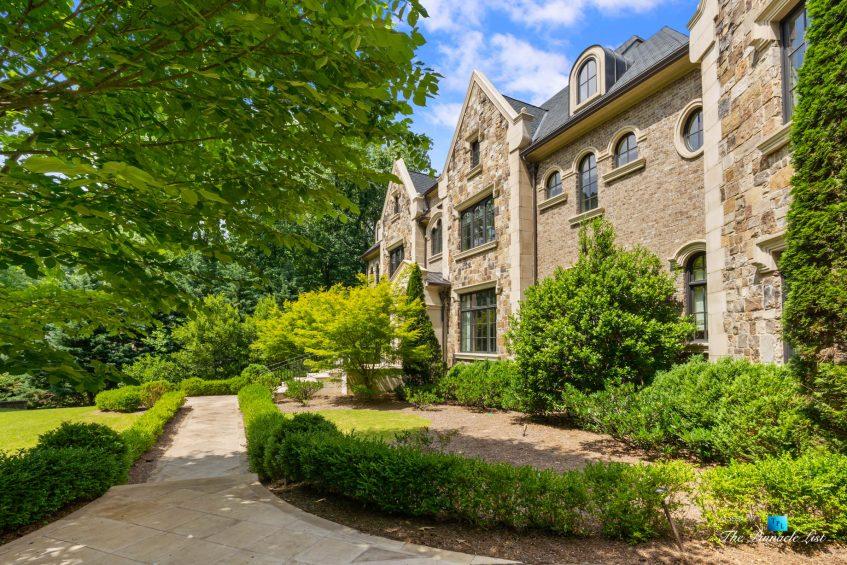 5705 Winterthur Ln, Sandy Springs, GA, USA - Atlanta Luxury Real Estate - Winterthur Estates Property Sidewalk