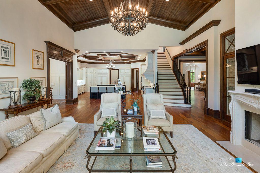 5705 Winterthur Ln, Sandy Springs, GA, USA - Atlanta Luxury Real Estate - Winterthur Estates Home - Living Room and Kitchen