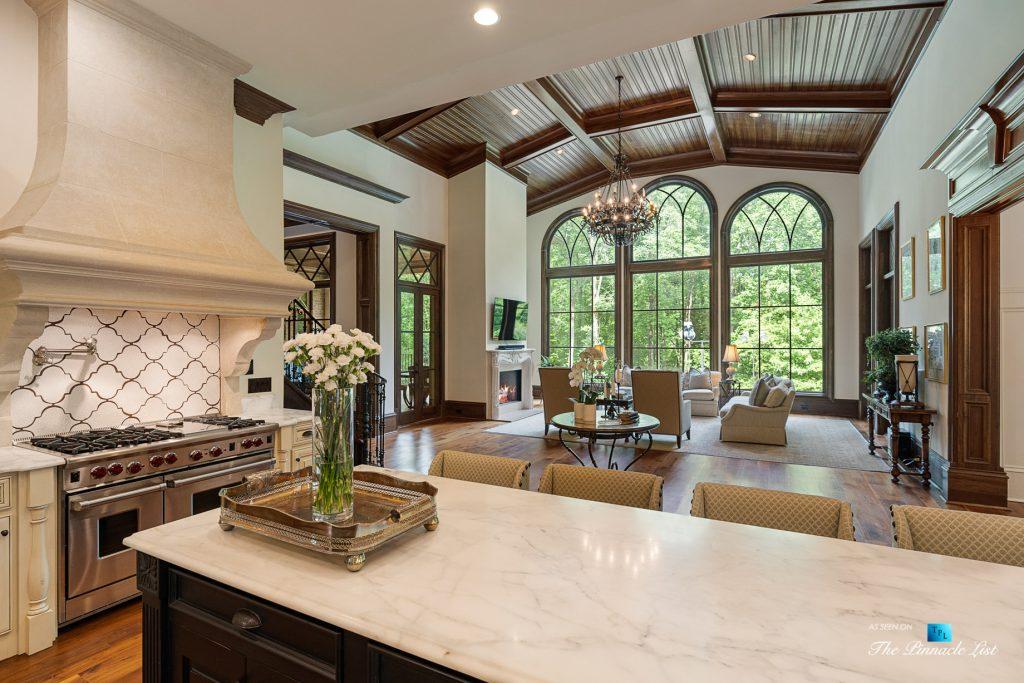 5705 Winterthur Ln, Sandy Springs, GA, USA - Atlanta Luxury Real Estate - Winterthur Estates Home - Kitchen and Living Room View