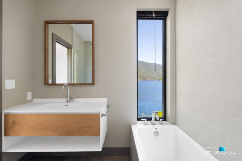 3350 Watson Rd, Belcarra, BC, Canada - Vancouver Luxury Real Estate - Modern Home Oceanview Bathroom