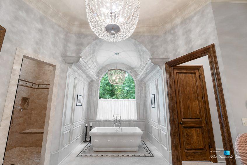 5705 Winterthur Ln, Sandy Springs, GA, USA - Atlanta Luxury Real Estate - Winterthur Estates Home - Master Bathroom Tub
