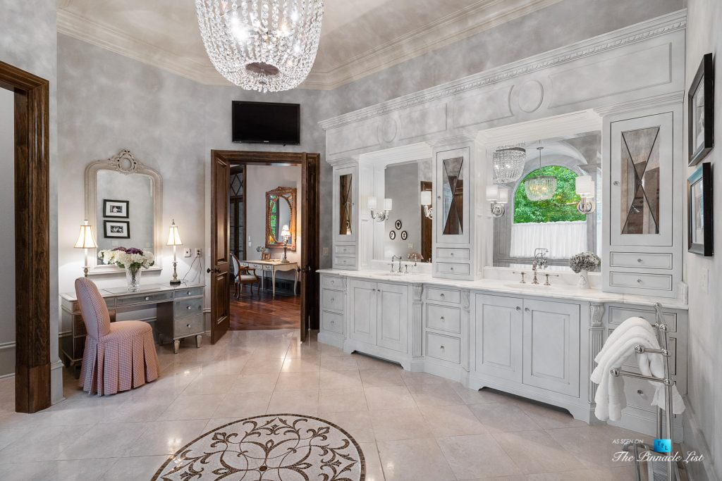 5705 Winterthur Ln, Sandy Springs, GA, USA - Atlanta Luxury Real Estate - Winterthur Estates Home - Master Bathroom Cabinets