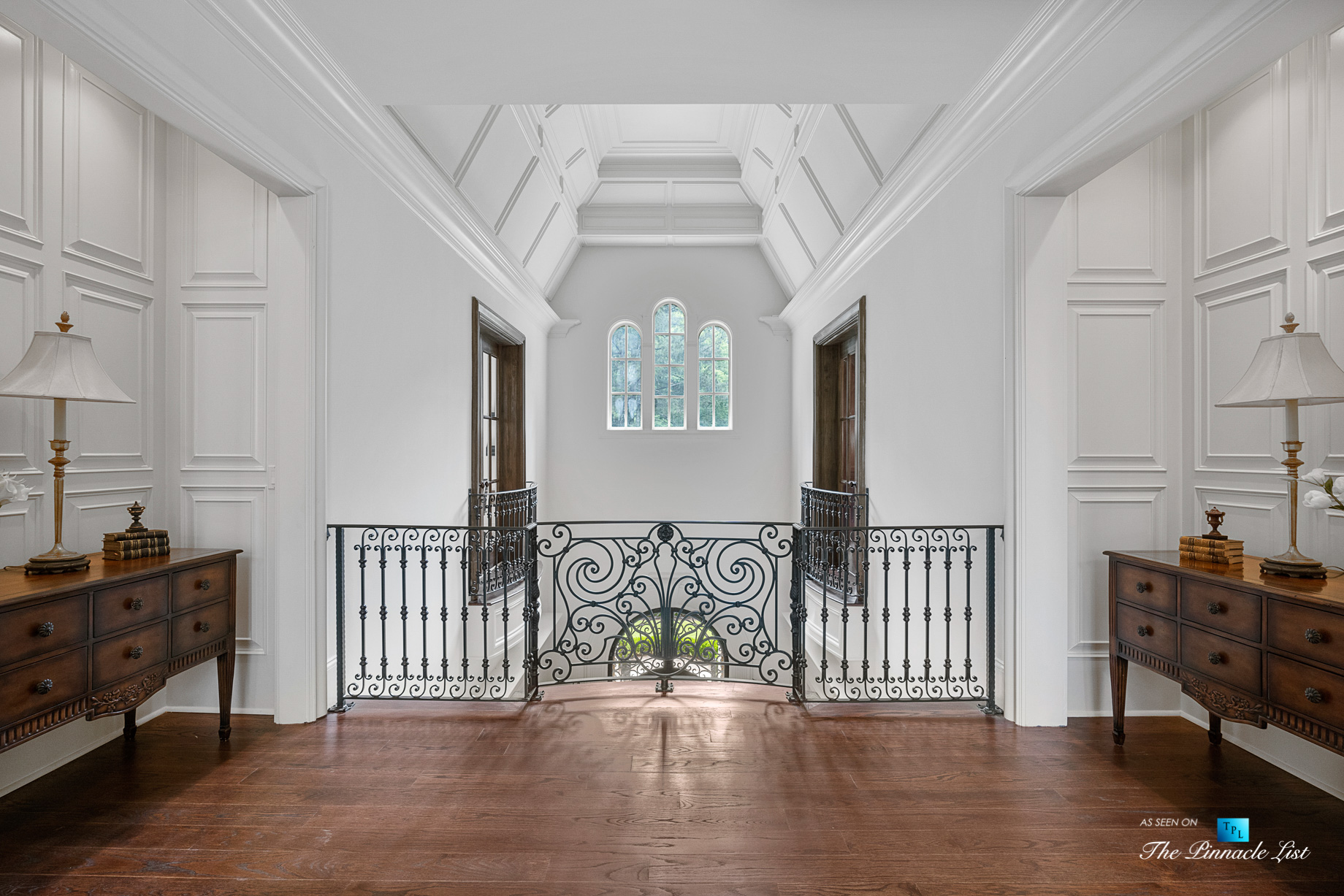 5705 Winterthur Ln, Sandy Springs, GA, USA - Atlanta Luxury Real Estate - Winterthur Estates Home - Upper Level Hallway Foyer Balcony