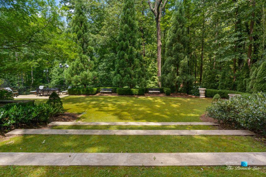 5705 Winterthur Ln, Sandy Springs, GA, USA - Atlanta Luxury Real Estate - Winterthur Estates Home - Backyard Grass Steps