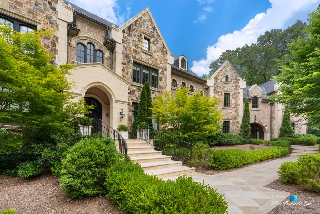 5705 Winterthur Ln, Sandy Springs, GA, USA - Atlanta Luxury Real Estate - Winterthur Estates Home - Front Yard Landscaping