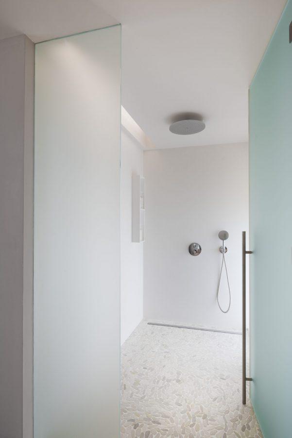 The Brando Luxury Resort - Tetiaroa Private Island, French Polynesia - The Brando Residence Bathroom Shower
