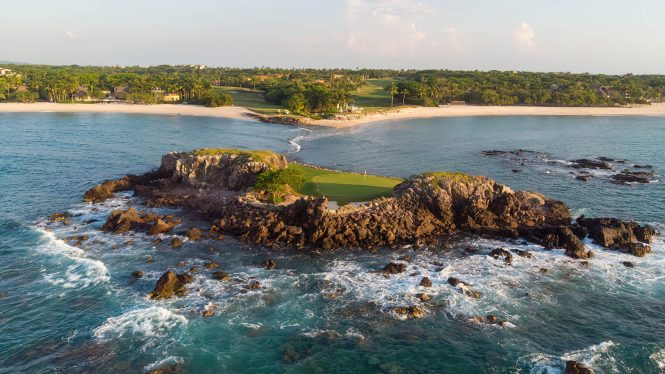 Four Seasons Luxury Resort Punta Mita - Nayarit, Mexico - Tail of the Whale Hole at the Pacifico Golf Course