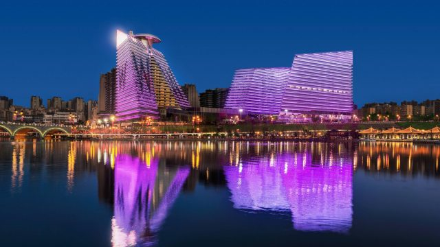 W Xi'an Luxury Hotel - Xi'an, Shaanxi Province, China - Hotel Exterior Water View