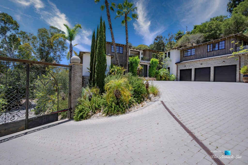 1105 Rivas Canyon Rd, Pacific Palisades, CA, USA - Luxury Real Estate - Motor Court