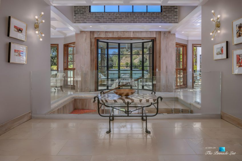 1105 Rivas Canyon Rd, Pacific Palisades, CA, USA - Luxury Real Estate - Foyer