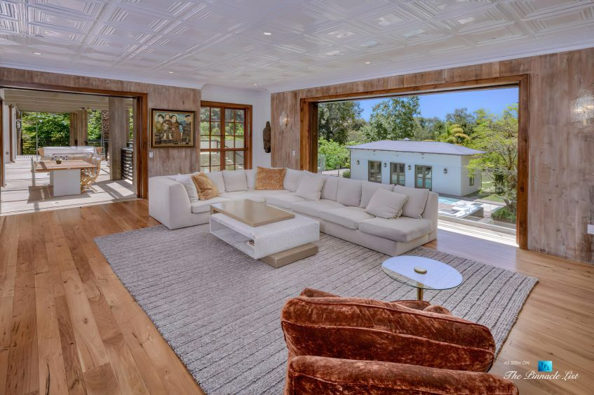 1105 Rivas Canyon Rd, Pacific Palisades, CA, USA - Luxury Real Estate - Living Room