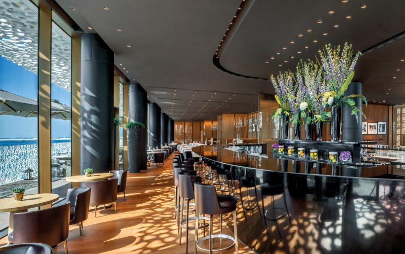 Bvlgari Luxury Resort Dubai - Jumeira Bay Island, Dubai, UAE - Bvlgari Bar Interior