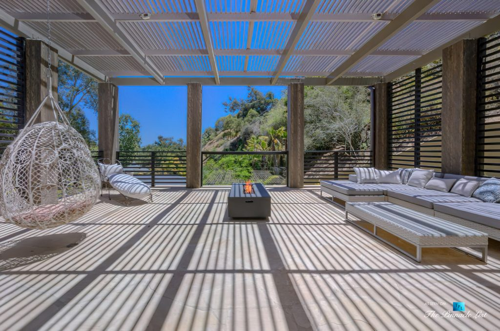 1105 Rivas Canyon Rd, Pacific Palisades, CA, USA - Luxury Real Estate - Master Bedroom Deck