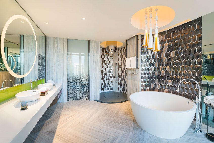 W Kuala Lumpur Luxury Hotel - Kuala Lumpur, Malaysia - E WOW Suite Bathroom